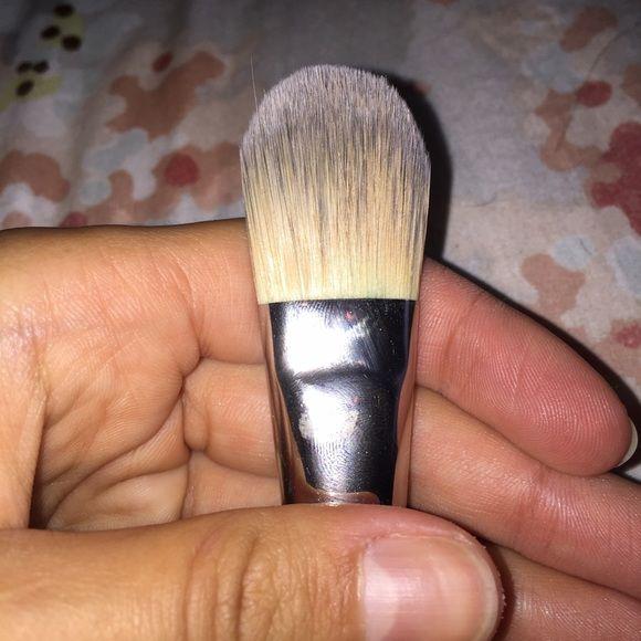 Mac Foundation Brush #190 Perfect for foundation MAC Cosmetics Makeup Blush