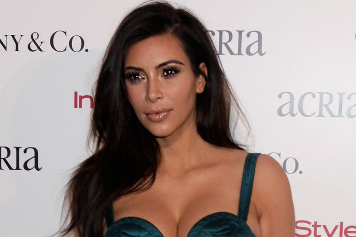 Kim Kardashian is one of the female celebs who are always in the news for one reason or another. This Californian beauty attended Marymount High School.