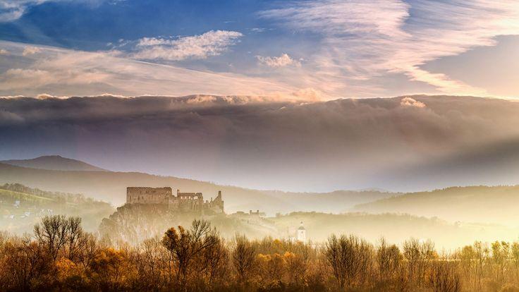 "Morning at Beckov castle - morning 11.11.2014 at Beckov castle Follow me on <a href=""https://www.facebook.com/lubosbalazovic.sk"">FACEBOOK</a> or <a href=""https://www.instagram.com/balazovic.lubos"">INSTAGRAM</a>"