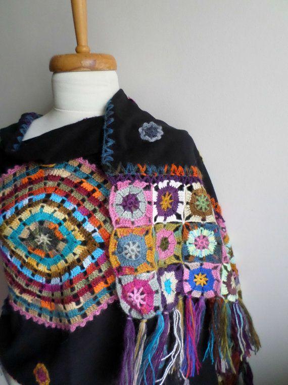 Annonce spéciale pour Galina, châle noir, bonneterie fleurs sur tissu polaire, OOAK, conception spéciale