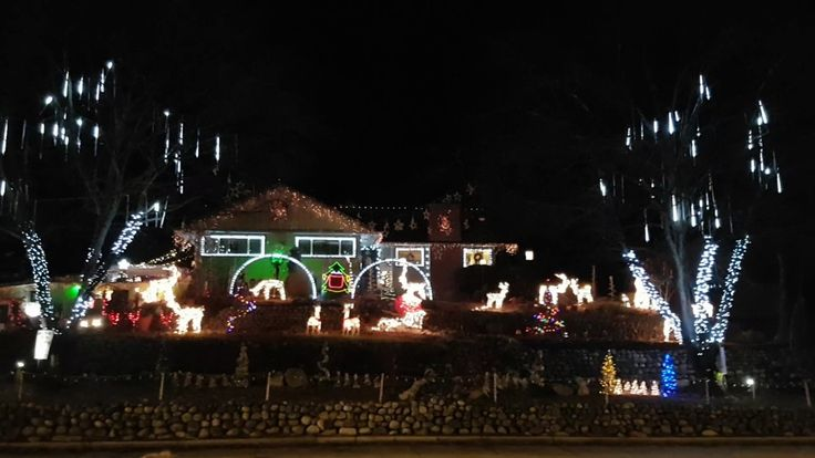 the grand finally to the voila christmas light show dancing christmas lights using 246 lor channels in vernon bc canada
