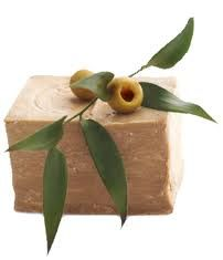 Aleppo Zeep | a great soap with long history and traditions in Syria, dried in the sun for several months. Say to be the forerunner to Marseille soap when the Romans brought with them the Aleppo soap to Europe. Contain natural ingredients such as olive oil and skin healing bay leaf.