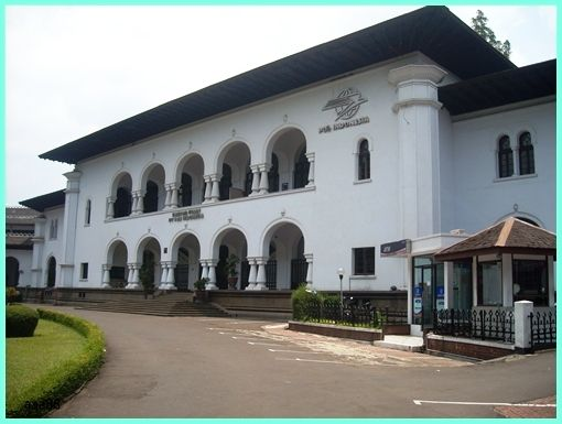 Museum Pos Indonesia - Jl. Cisanggarung