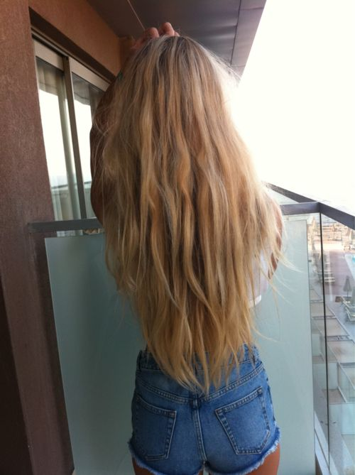 can i just have this hair please? i wouldn't mind the tiny butt either!