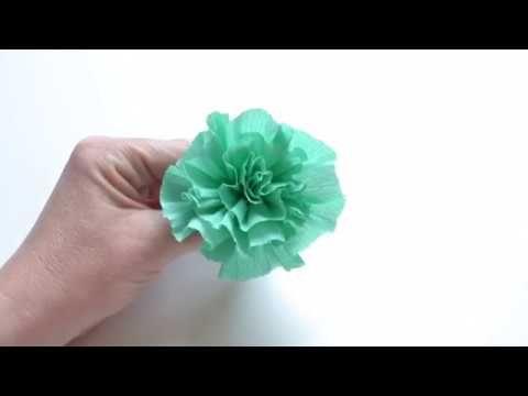 Schnelle Diy Papierblume Aus Krepppapier Youtube Krepppapier Rosen Basteln Blumen Basteln Mit Kindern