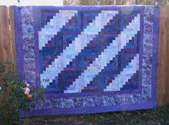 Hey, j'ai trouvé ce super article sur Etsy, chez https://www.etsy.com/ca-fr/listing/255911725/queen-batik-log-cabin-quilt-purple-log