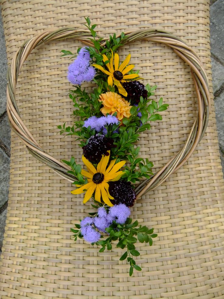 A natural memorial wreath and funeral tribute ideal for a ...