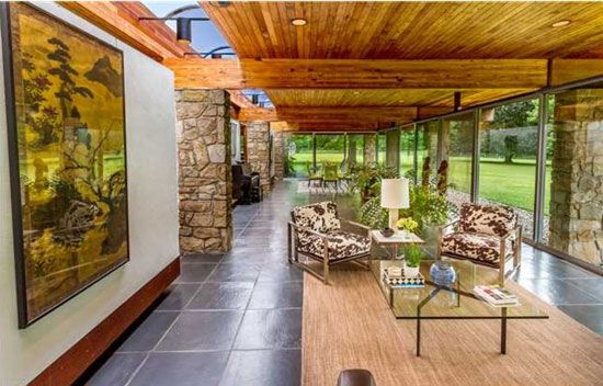 1970s Philip Collins-designed modernist property in Hopewell, New Jersey, USA