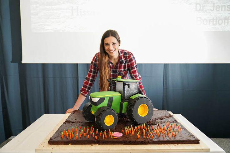 3d Kuchen: John Deere Traktor Torte 3D / 3D Cake