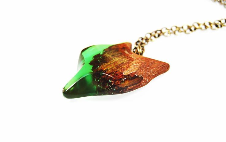 #wood #resin #woodennecklace #woodenjewelry #resinjewelry  #jewelry #jewellery #handmade #fox #necklace