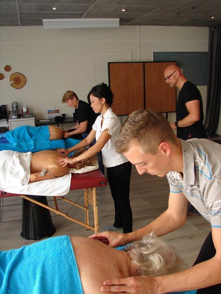Massagecursus bij KOPOS gegeven.