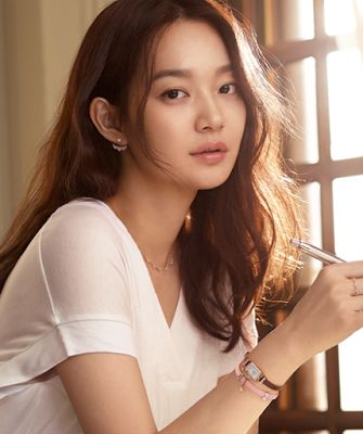 Shin Min Ah Stonehenge 2016