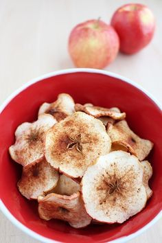 Doesn't get much tastier + healthier than this Baked Cinnamon Apple Chips recipe.