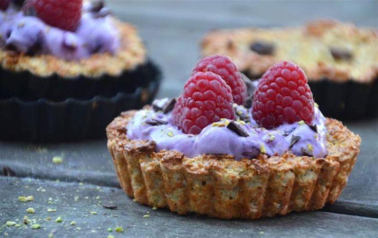 Opskrift på sunde havregrynstærter med blåbærcreme