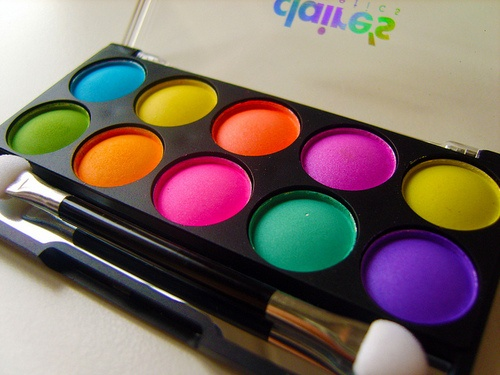 claire's neon eyeshadow