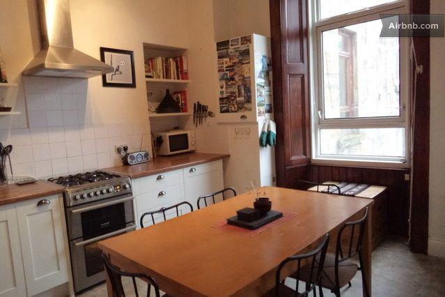 1 bedroom Victorian tenement flat in Glasgow
