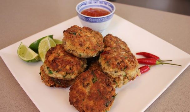 Thai Salmon Fish Cakes : Dinner Dash with Hilary Biller : The Home Channel