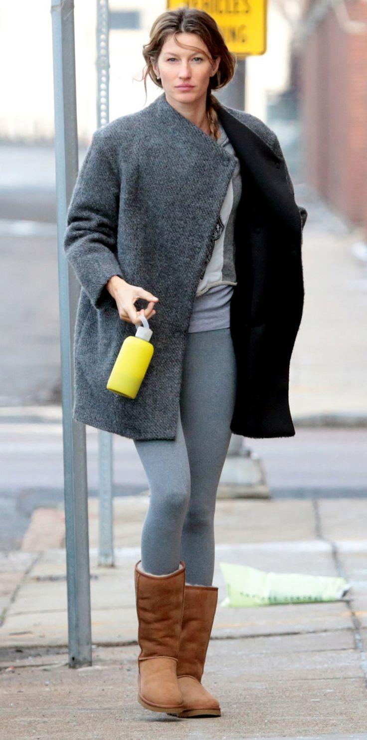 Gisele Bündchen in UGG Classic Tall