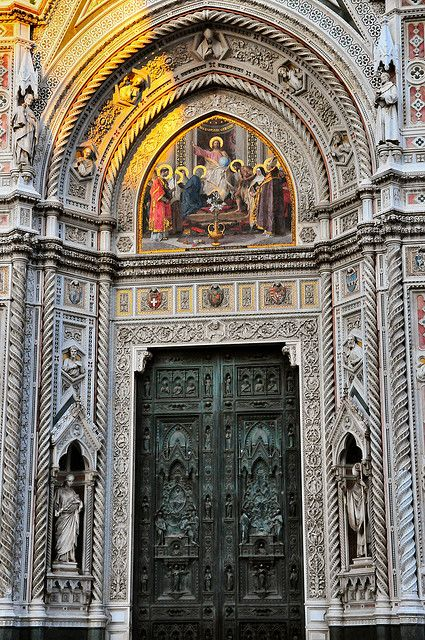 Florence Duomo - Main door at Santa Maria del Fiore Cathedral
