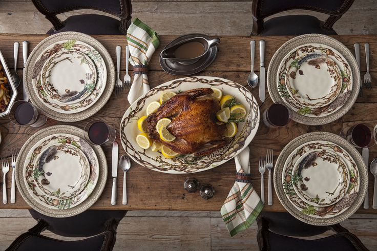 Come all ye grateful! From serving pieces to glassware to the perfect finishing touches of linens and napkins rings, be sure you're well-stocked on our Thanksgiving Essentials
