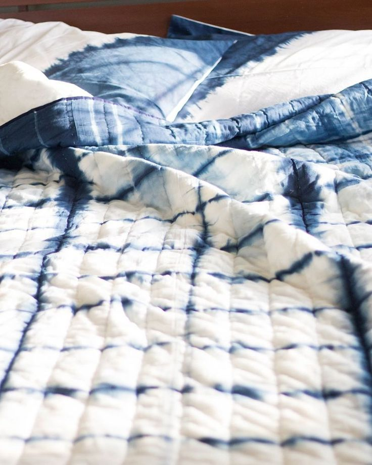 """Shibori quilt - Japanese tie and dye - www.etsy.com/shop/karibykriti 60 Likes, 1 Comments - Kriti Jindal (@karibykriti) on Instagram: """"Sharing a bit of a beachy vibe today. We travelled to Kovalam, a small town in South Kerala and…"""""""
