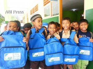 Senyum keceriaan tergambar dari raut wajah murid-murid , Kelurahan Birobuli Utara, Kecamatan Palu Selatan, Kota Palu, Sulawesi Tengah Kiprah RCTI Peduli dan ABI Dongkrak Mutu Pendidikan di Palu