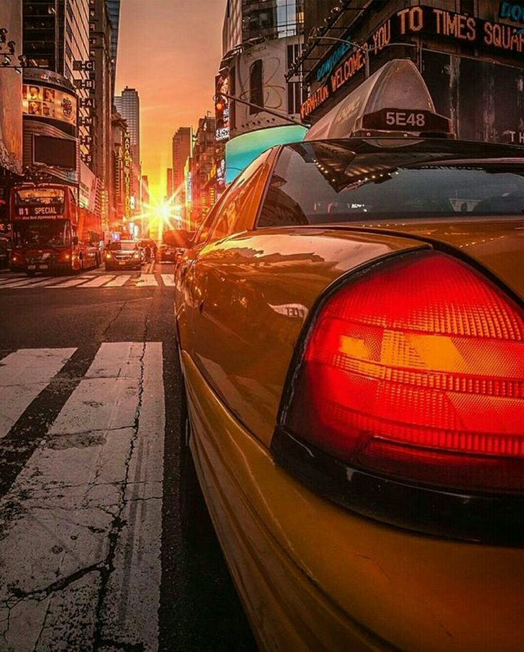NYC Manhattan Henge