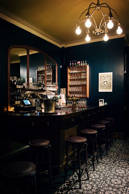 https://i.pinimg.com/736x/f9/4c/44/f94c449aa6bbecf88d15721baa462be1--bar-paris-whisky-bar.jpg