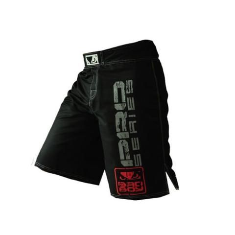 Get the support you want during intense workouts with the Life on Track Vale Tudo Compression Shorts. The compression fit provides a locked-in feel, while ergonomic seams offer you a natural range of