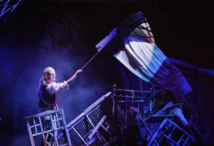 Les Misérables, Tampereen Teatteri: Samuel Harjanne (Enjolras). Photo: Harri Hinkka