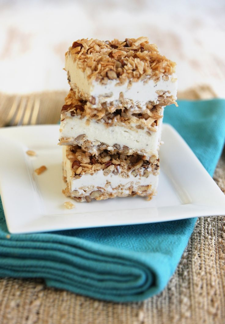 Ice Cream Crunch Bars from ourbestbites.com: Fries Ice Cream, Cream Rice, Crunches Bar, Fried Ice Cream, Cream Bar, Frozen Bar, Ice Cream Cakes, Ice Cream Crunches, Rice Krispie