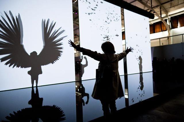 installation interactive de Chris Milk                                                                                                                                                                                 More