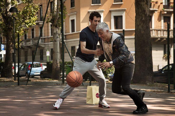 """Una scena del #film """"Un Fidanzato per mia moglie """".#PaoloKessisoglu #LucaBizzarri #DavideMarengo"""