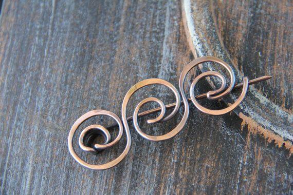 Ancient Greek motif inspired shawl pin in copper di Keepandcherish