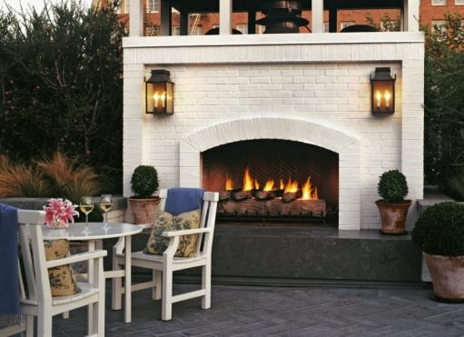 Great outdoor fireplace...