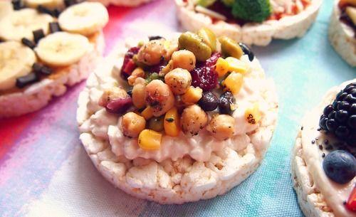 ❝Chickpea Edamame & Black Bean Cottage Cheese Rice Cake❞