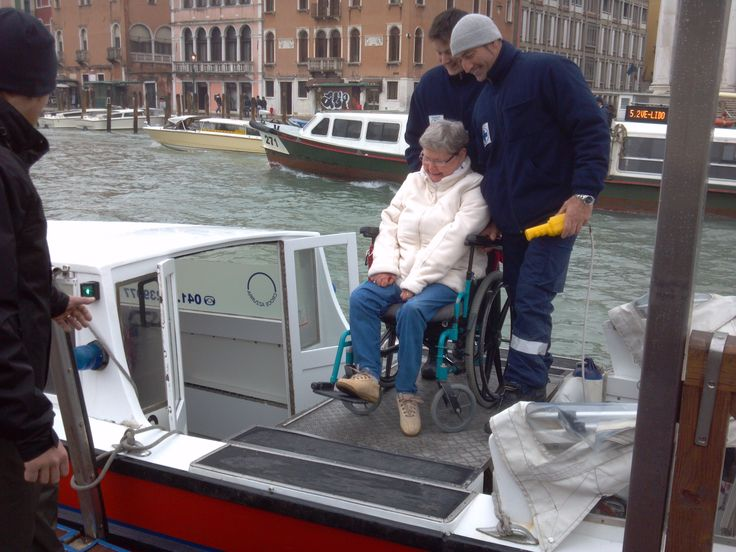 Accessible Venice with our friends (Dec. 2012) Some of our friends have visited #Venice together with our guides and organizers. The experience was so positive, they told us that they wanted to share with us their photos and memories!