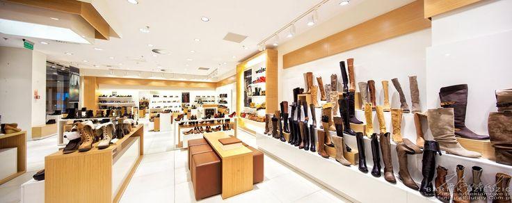 Fotografia reklamowa sklepów- Zdjęcia wnętrz sklepu z obuwiem Wojas.   #FotografiaArchitekturyiWnętrzsklepów #FotografiaReklamowaSklepu