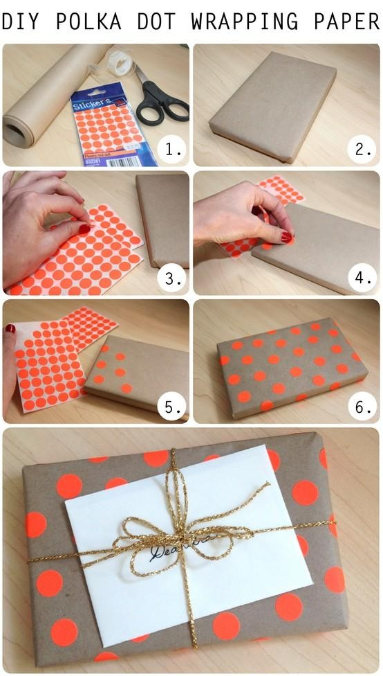 DIY Polka Dot Wrapping Paper/Gift Wrap: Diy Polka, Polka Dots, Gift Wrapping, Gift Ideas, Wrapping Gifts, Wrapping Paper Gift, Wrapping Ideas, Dot Wrapping