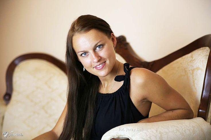 Właścicielka restauracji Polonia w Namysłowie. http://salvadofotografia.blogspot.com/2013/12/sesja-dla-restauracji-polonia-w.html