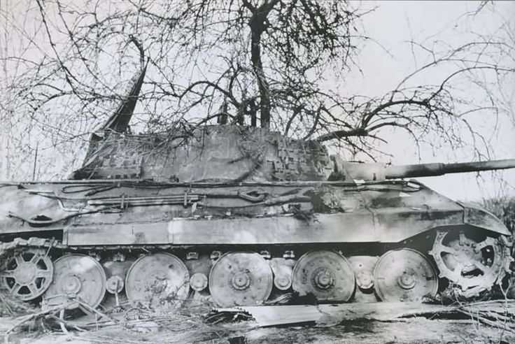 King Tiger tank of the Schwere SS Panzer-Abteilung 501. Tank number 332. Road to La Gleize.