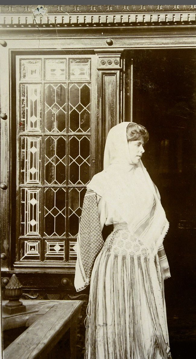 Queen Marie of Romania (when Crownprincess) with a traditional romanian costume. 1900s