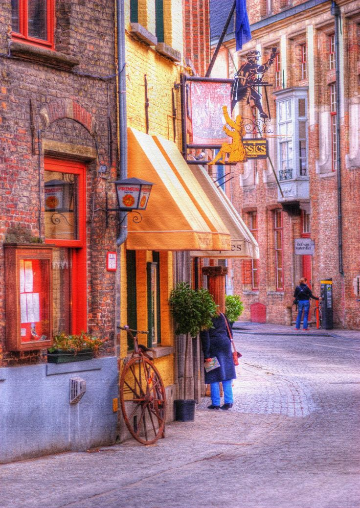Old Town Bruges Belgium – Old-town Bruges is a walker's dream . . . it's sprinkled with medieval buildings, cobbled stone streets, lots of fantastic shops and restaurants.