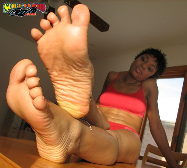 watching girls toes at orgasm