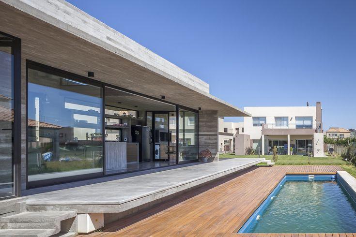 Galería de Casa Berazategui / Besonías Almeida Arquitectos - 13