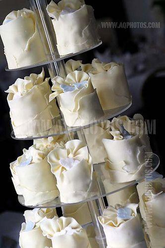 Individual wedding cakes / Just gorgeous <3