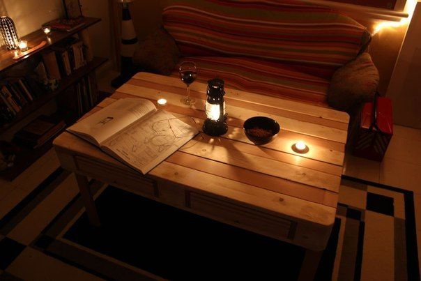 table made from pallets with drawers