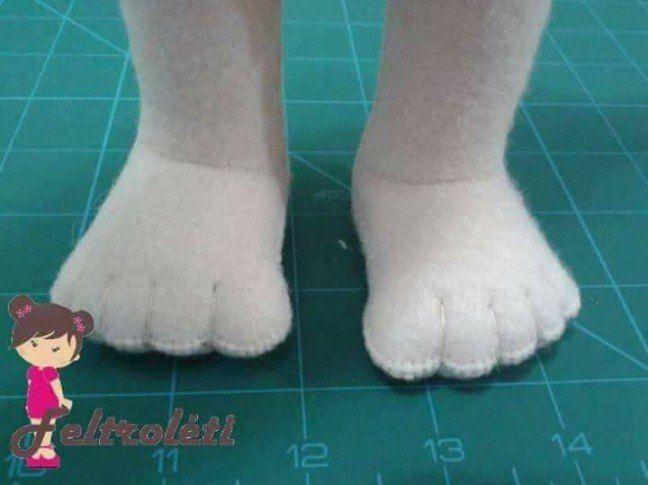 Como fazer pezinho de boneca com molde
