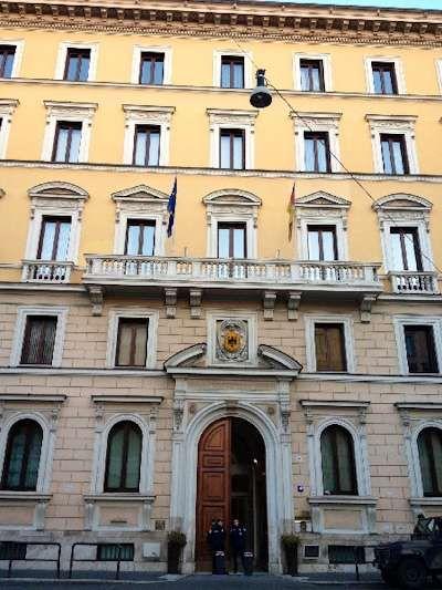 German Embassy - Via San Martino della Battaglia, 4 - 00185 Roma Tel.: 06492131 - Fax: 064452672 E-mail.: info@rom.diplo.de