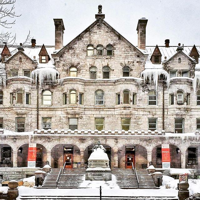 Pavillon de musique Strathcona, Université McGill // Strathcona Music Building, McGill University @mcgillu par/by @archimontreal #mtl #mtlmoments #montreal #architecture #mcgill #375mtl